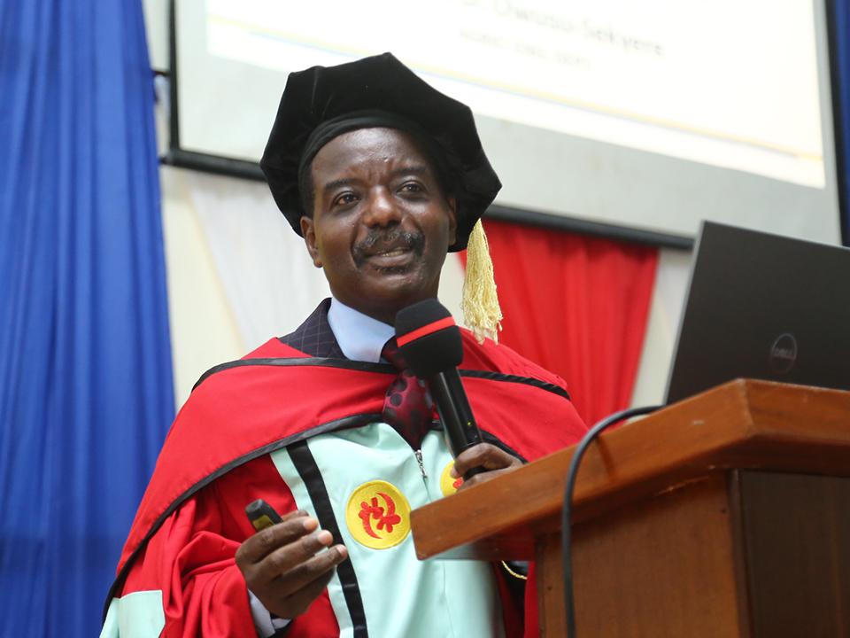 Prof. Owusu-Sekyere delivering his inaugural address
