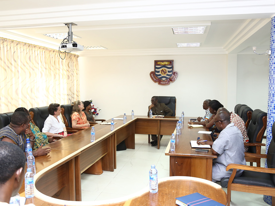The US Embassy officials in a meeting with the Vice-Chancellor and other officials of the University