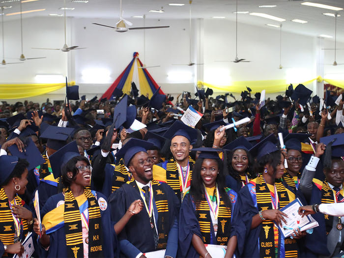 Graduates jubilating at the Congregation