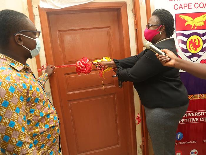 The Pro Vice-Chancellor and GRASAG President opening the StuFSO